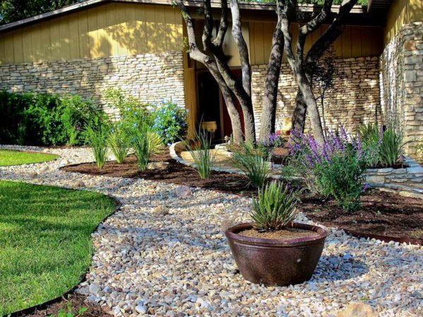 Garden Mulch Near Ferntree Gully