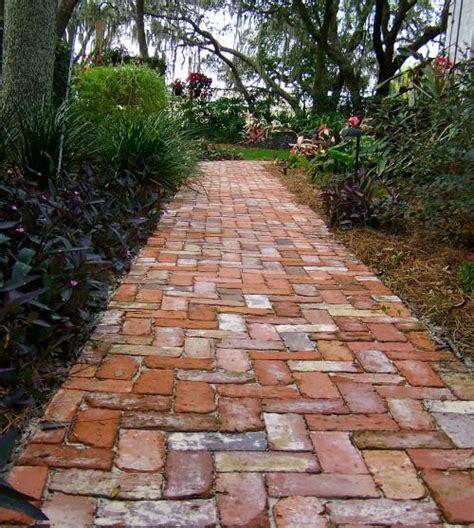 90 Degree Herringbone Path