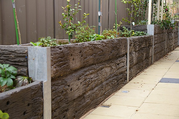 Railway Sleepers As A Wll