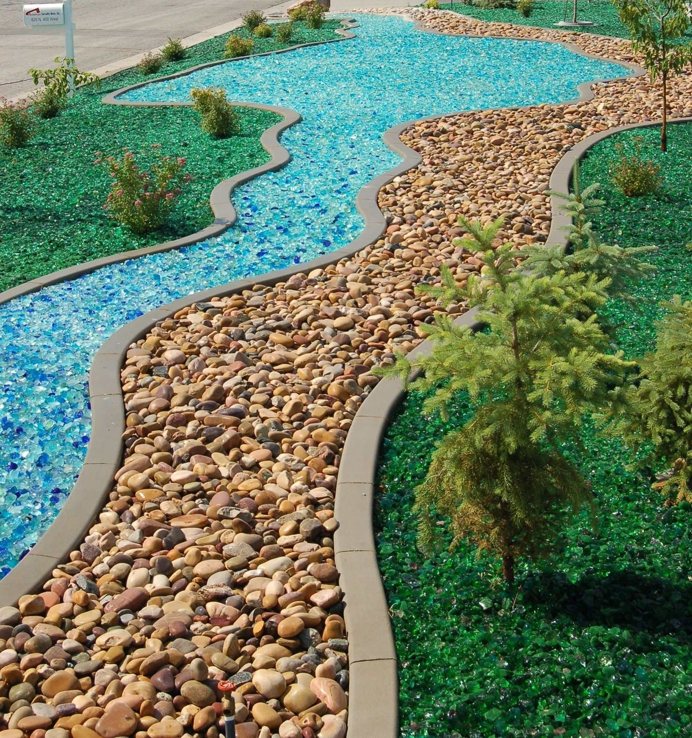 Tumbled Glass As A Mulch